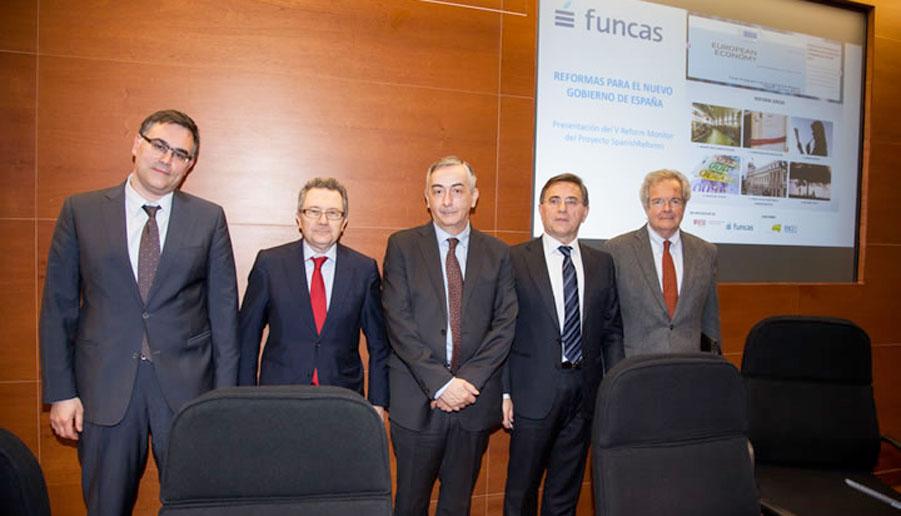 De izquierda a derecha, Ramón Xifré, Xavier Vives, Carlos Ocaña, Javier Andrés y Alfredo Pastor.