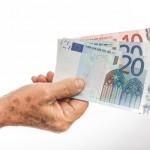 La brecha de género en las pensiones contributivas de la población mayor española